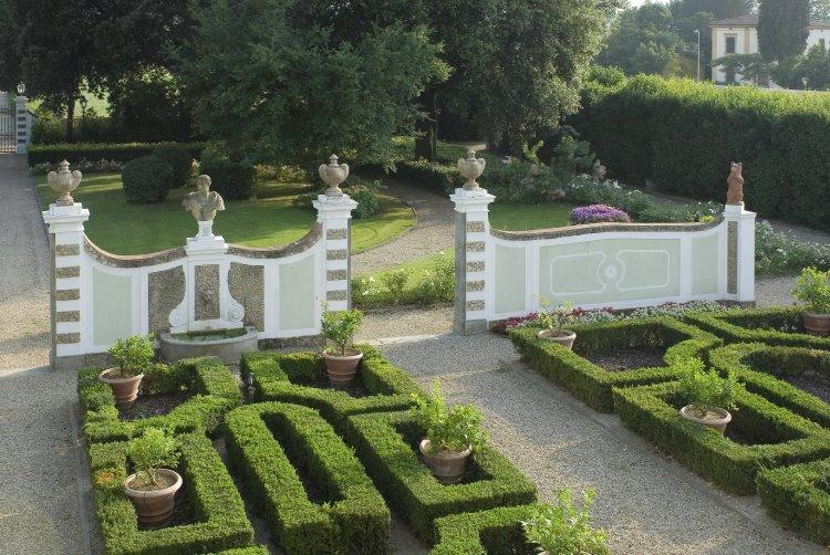 ヴィラ・オルミ・ガーデン 画像3
