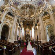 パイプオルガンのある教会